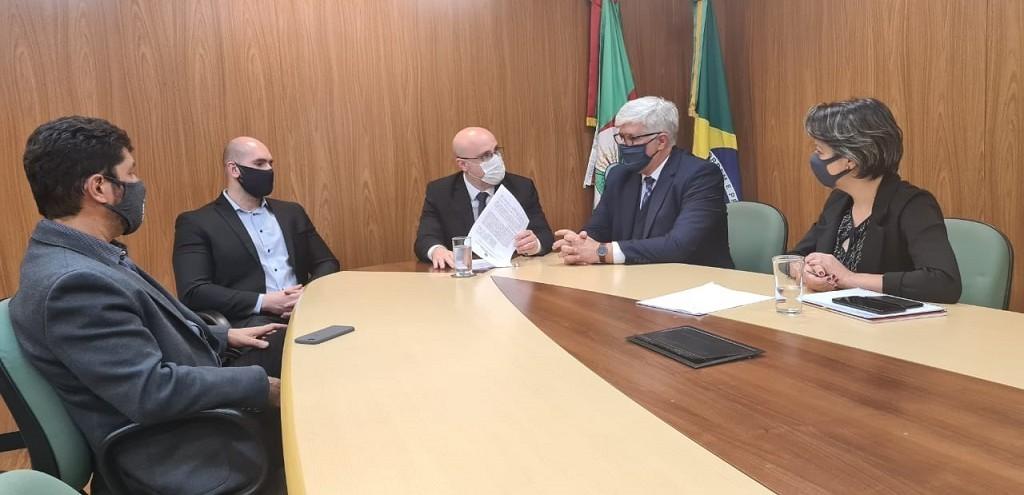 SEDETUR E PORTO DE RIO GRANDE SELAM ACORDO PARA ATRAÇÃO DE INVESTIMENTOS