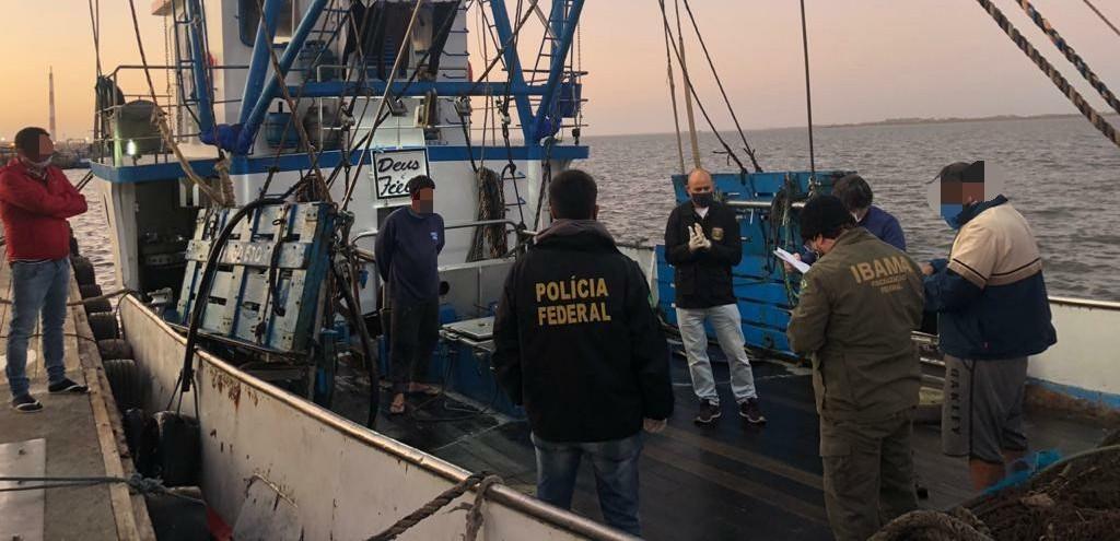 OPERAÇÃO CONJUNTA DA POLÍCIA FEDERAL E DO IBAMA APREENDE 15 TONELADAS DE PEIXE EM RIO GRANDE