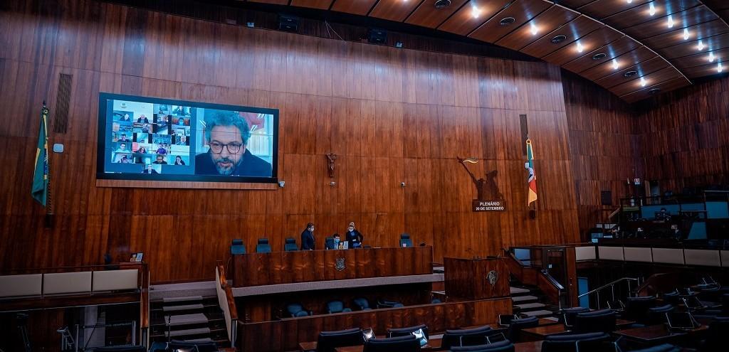 ASSEMBLEIA APROVA ALTERAÇÃO DO IPE SAÚDE E CRIAÇÃO DO TRABALHAR-RS