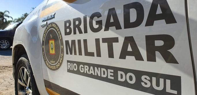 5º BPCHQ PRENDE DUPLA POR PORTE ILEGAL DE ARMA NA SATURNINO DE BRITO
