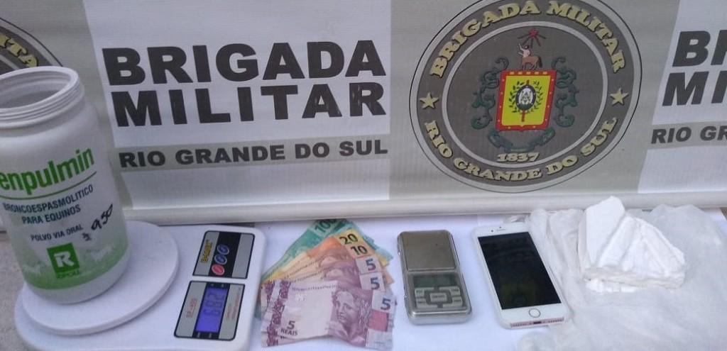DOIS HOMENS SÃO PRESOS POR TRÁFICO DE DROGAS NO BGV
